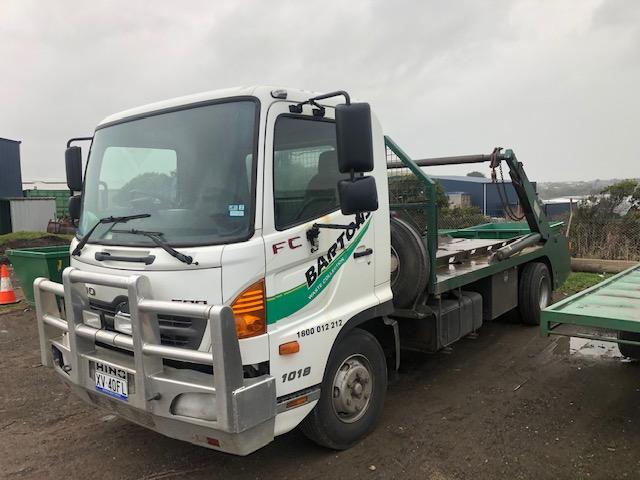 Hino FC 1080 Mini Skip Truck with Haul Master Skip lifter For Sale
